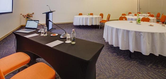 Sala de Reuniones Hotel Radisson Petra